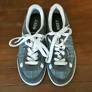 Womans size 9 scater shoes
